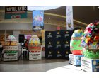 Oua decorative supradimensionate pictate de peste 400 de copii expuse in Ploiesti Shopping City